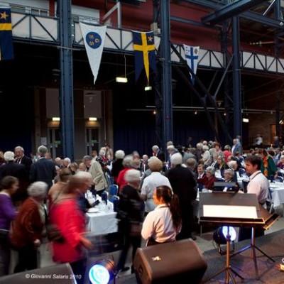 Härlig jubileumsfest med 400 entusiastiska gäster i Eriksbergshallen